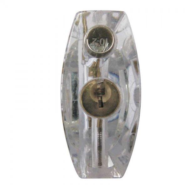 Doorzichtige-hangslot-sleutelgat-bekijken